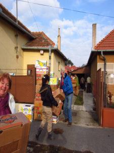 Missionsreise in die Stadt Levice, auspacken