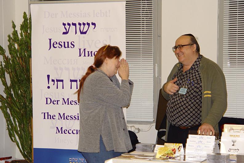 Daniela am Infostand Israelkonferenz