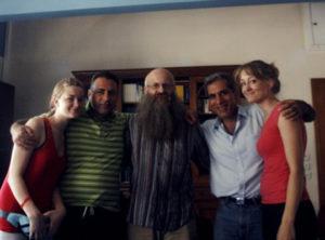 Familienfoto mit 2 Übersetzern von Hellenic Ministries-Griechenland