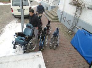 einladen der Rollstühle