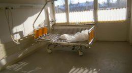 Krankenhausbett 3, Betten