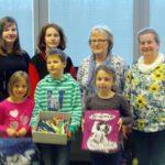 Schulsozialarbeiterinnen Frau Brunswig und Frau Wöhlbrandt mit Schülern
