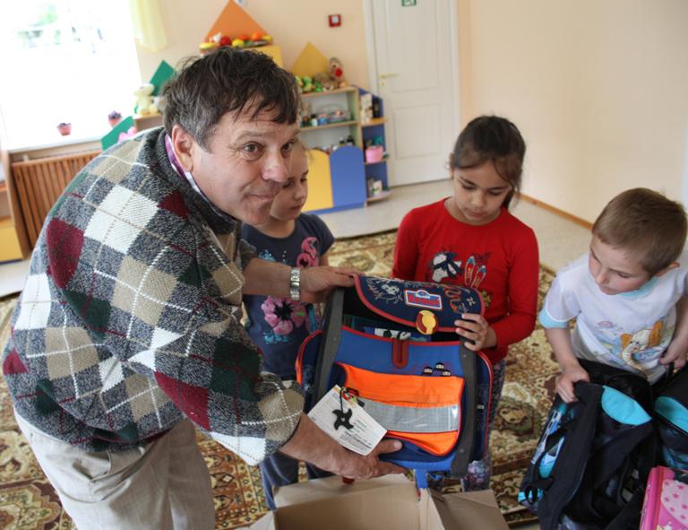Школьные портфели дошли до Украины