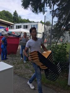 Beladen 5 Schulmöbel Ukraine russisch
