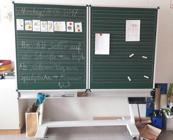 Tafel-Schulmöbel für die Ukraine