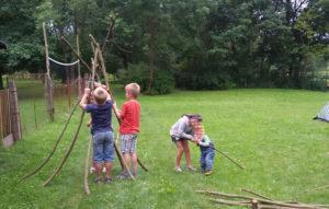 Wir bauen eine Hütte 2-Kinderfreizeit