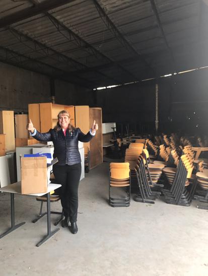 Direktorin einer Schule in der Ukraine 2- verteilt