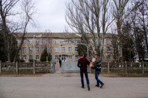 Ankunft bei der Schule in Lvovo bearbeitet-Kosaken