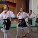 Kinder tanzen- Schule - Krankenhaus
