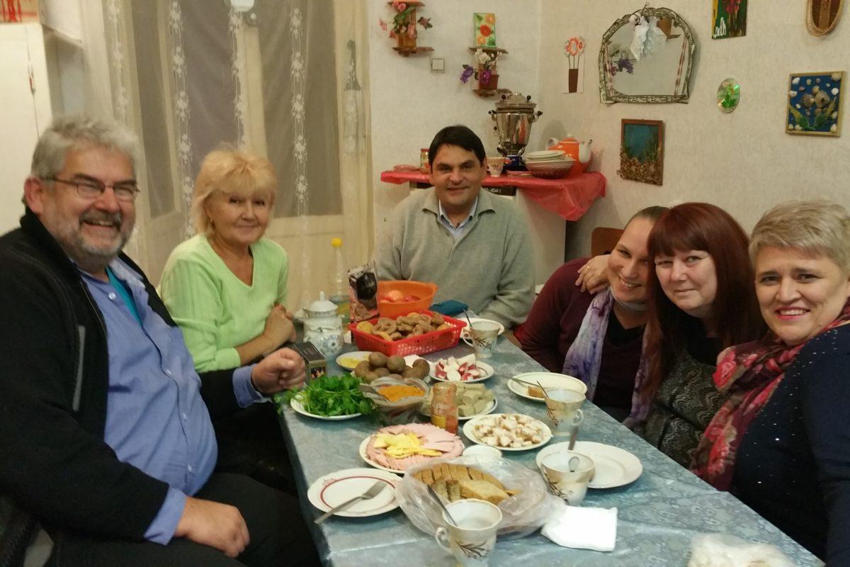 Norman, Luba, Wladimir, Katinka, Daniela und Olga- Baptistengemeinde