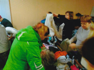 Osthilfe, Kleiderverteilung in Weißrussland