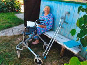 Osthilfe, alte Frau im Rollstuhl