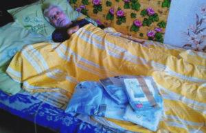 Osthilfe, alter Mann im Bett