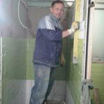 Neues Leben, Pastor Oleg bei Umbauarbeiten