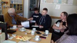 Bauabsprachen bei der Übergabe der Fördermittel i.H. von 10.000 € der Selzer-Stiftung für die Zuwegung